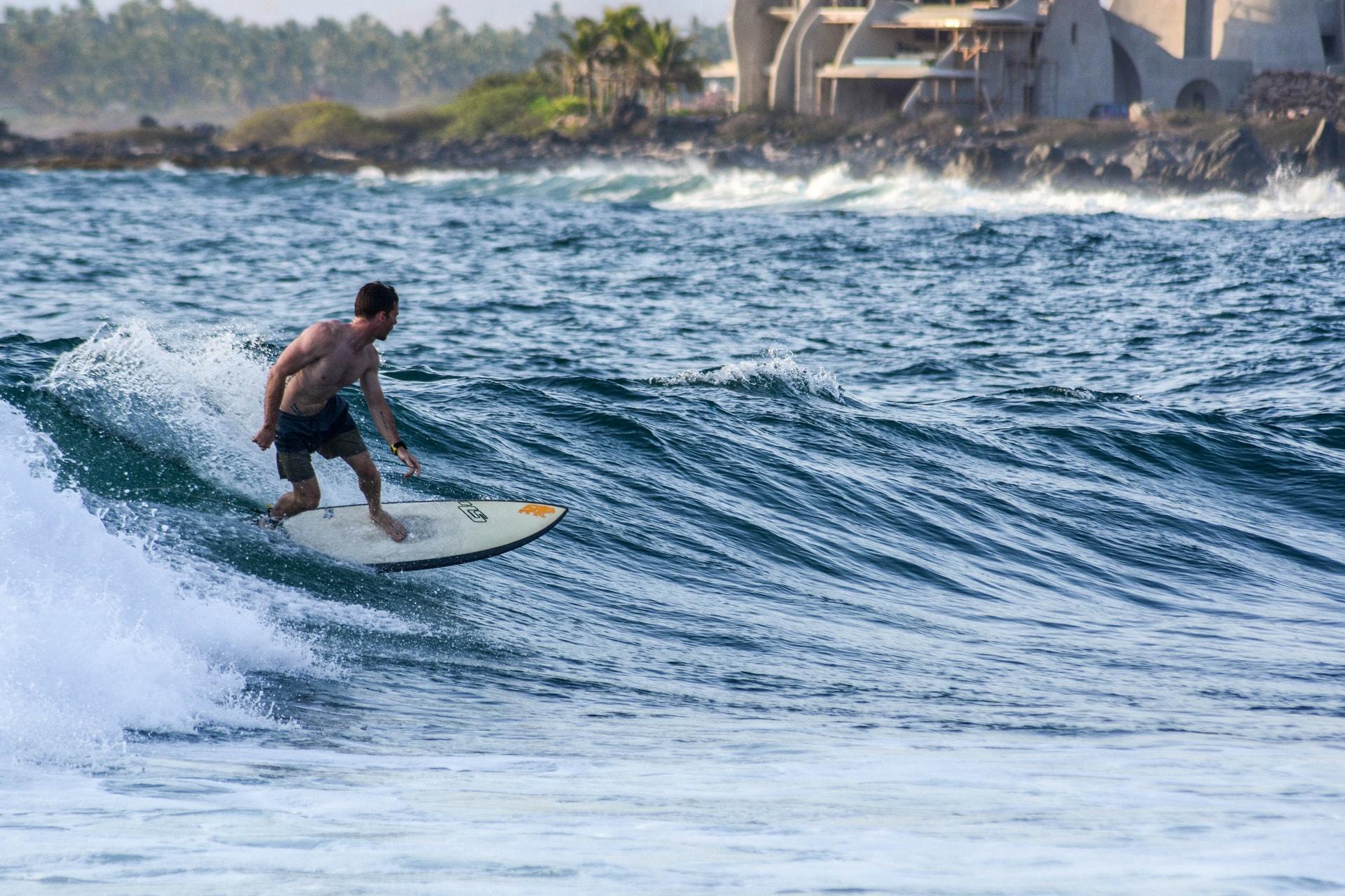 surf1-min